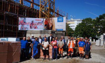 Braunau: Dachgleiche für 36 Eigentumswohnungen